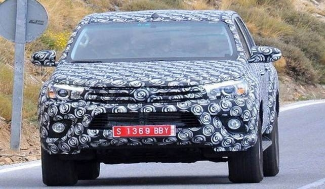 New 2018 Toyota Hilux Spy Shots Exterior