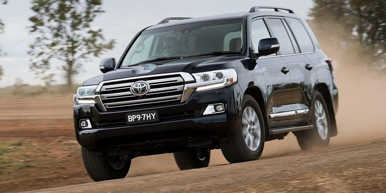 2019 Toyota Land CRuiser Hybridand Specs and Review