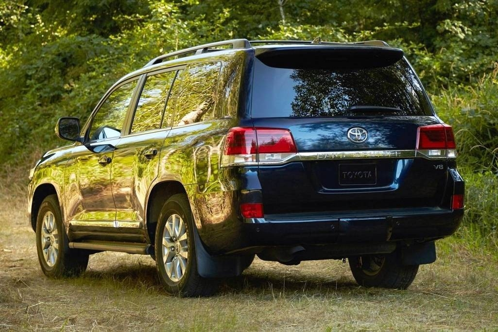 2019 Toyota Land CRuiser Hybridand Redesign and Price