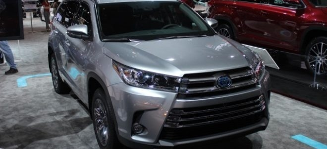 New 2019 Toyota Highlander Hybrid First Drive