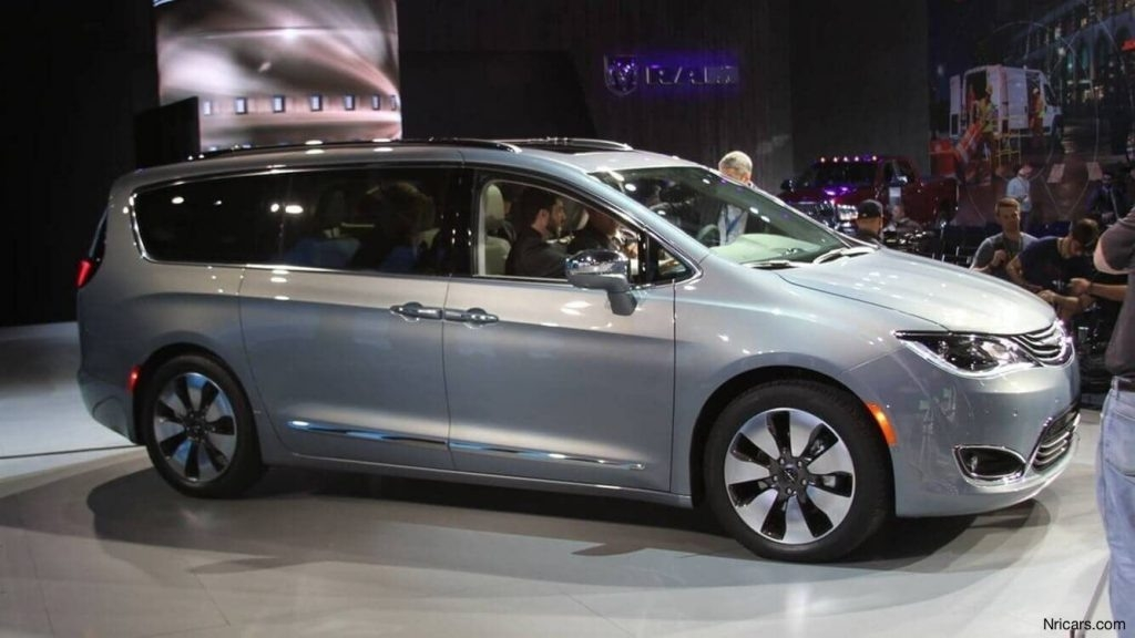 Chrysler Town And Country 2019 New Interior