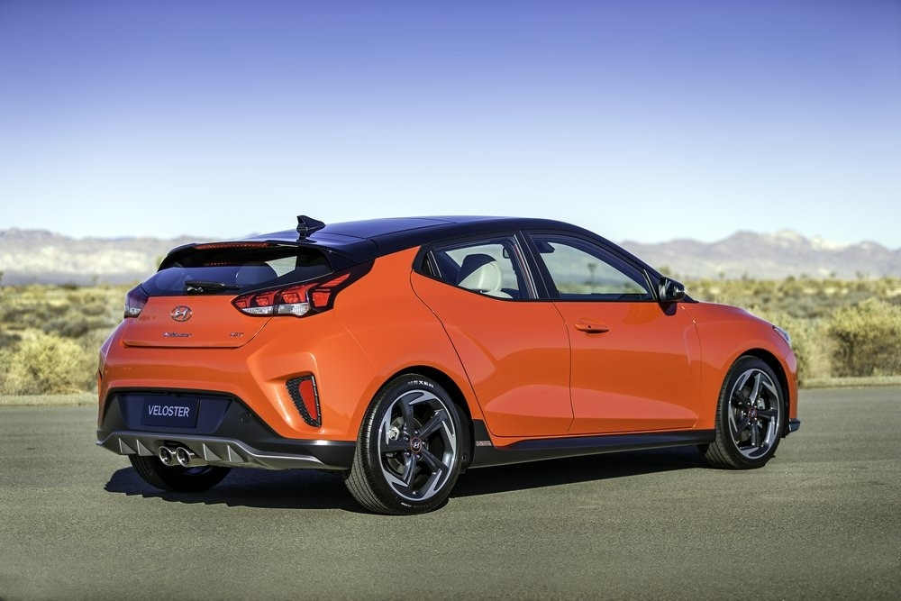 The 2018 Hyundai Veloster Turbo Picture