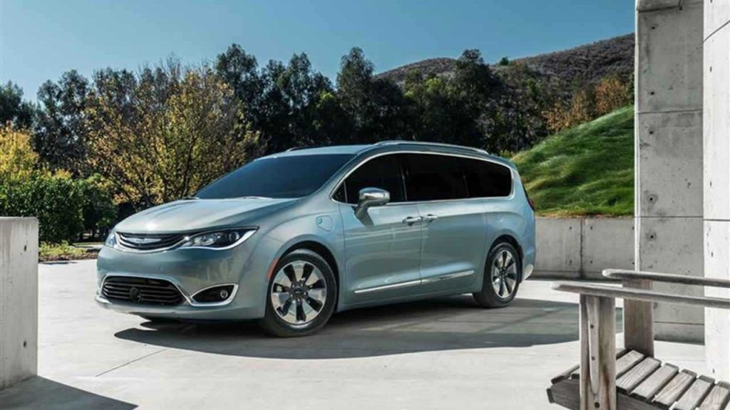 2019 Chrysler Town Release date and Specs