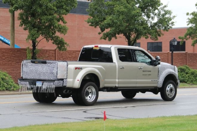 The 2019 Ford F450 Super Duty Review