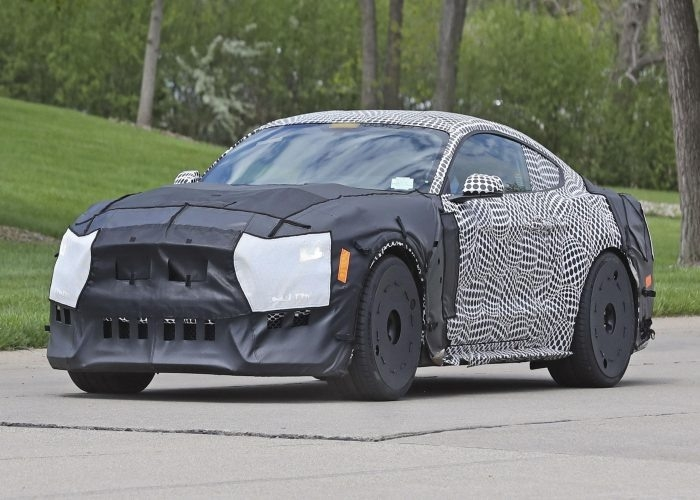2019 Ford Mustangand New Interior