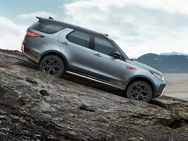 New 2019 Land Rover Discoverys Spy Shoot