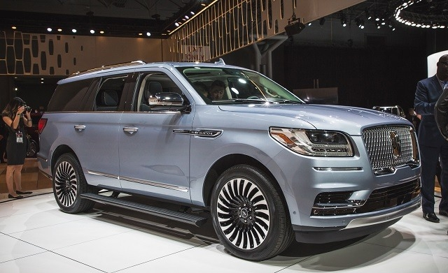 New 2019 Navigator Picture
