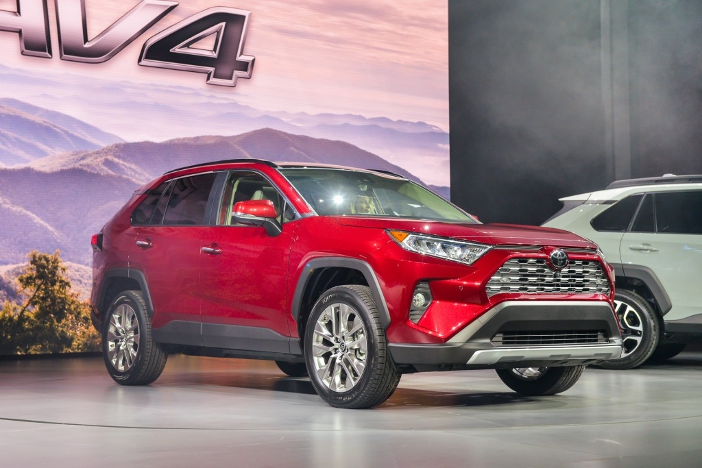 The 2019 Toyota Rav4 Hybrid First Drive