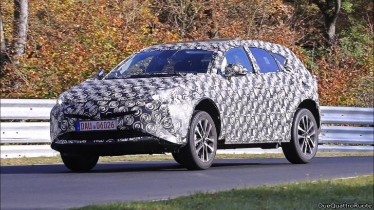 Spy Shots 2018 Toyota Prius Redesign and Price
