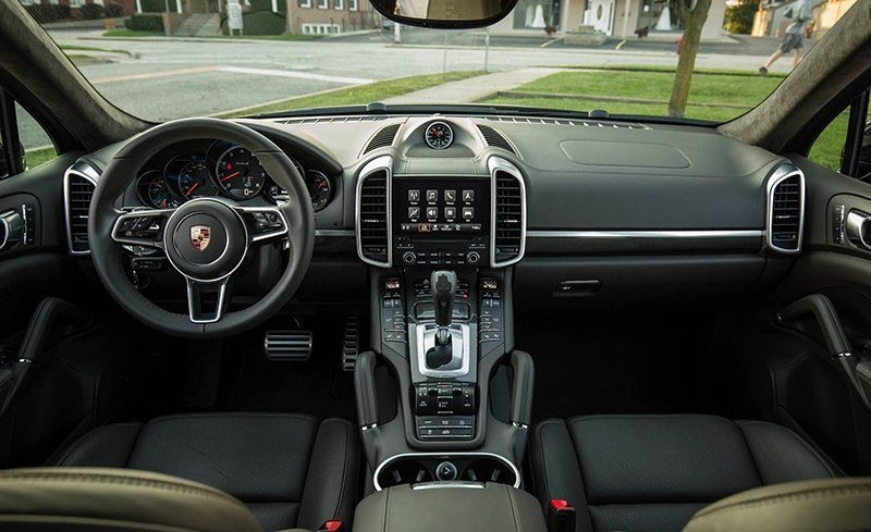 The 2018 Porsche Cayenne Turbo S Review