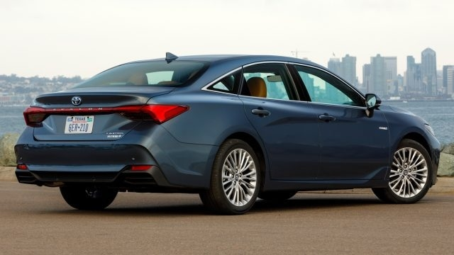 The 2019 Avalon Exterior