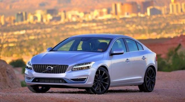 Best 2019 Volvo S60 R Spy Shoot