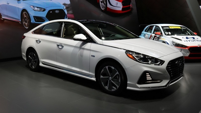 Sonata Vs Elantra >> Hyundai Sonata 2019 Hybrid Concept, Redesign and Review | Cars Studios