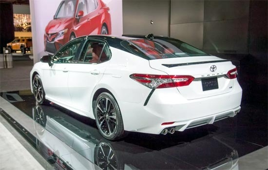 Toyota Camry Hybrid 2019 Picture