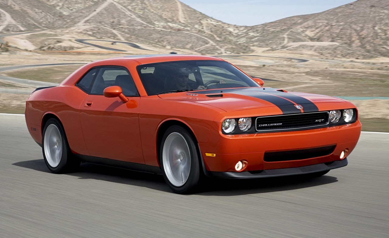 2010-Dodge-Challenger-SRT8
